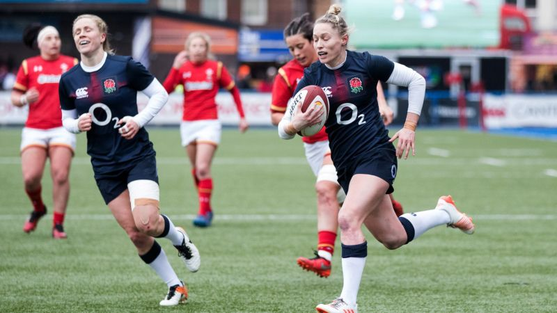 Natasha Hunt running in one of 11 England Women tries. Photo credit: Inpho